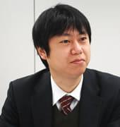 木本 佳成氏