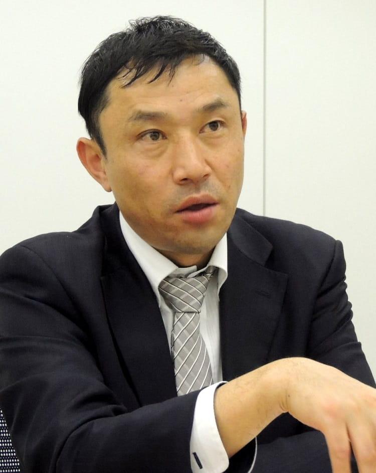 飯田 健二 氏